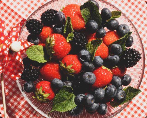 Owoce lata – truskawki, borówki, maliny – same witaminy!